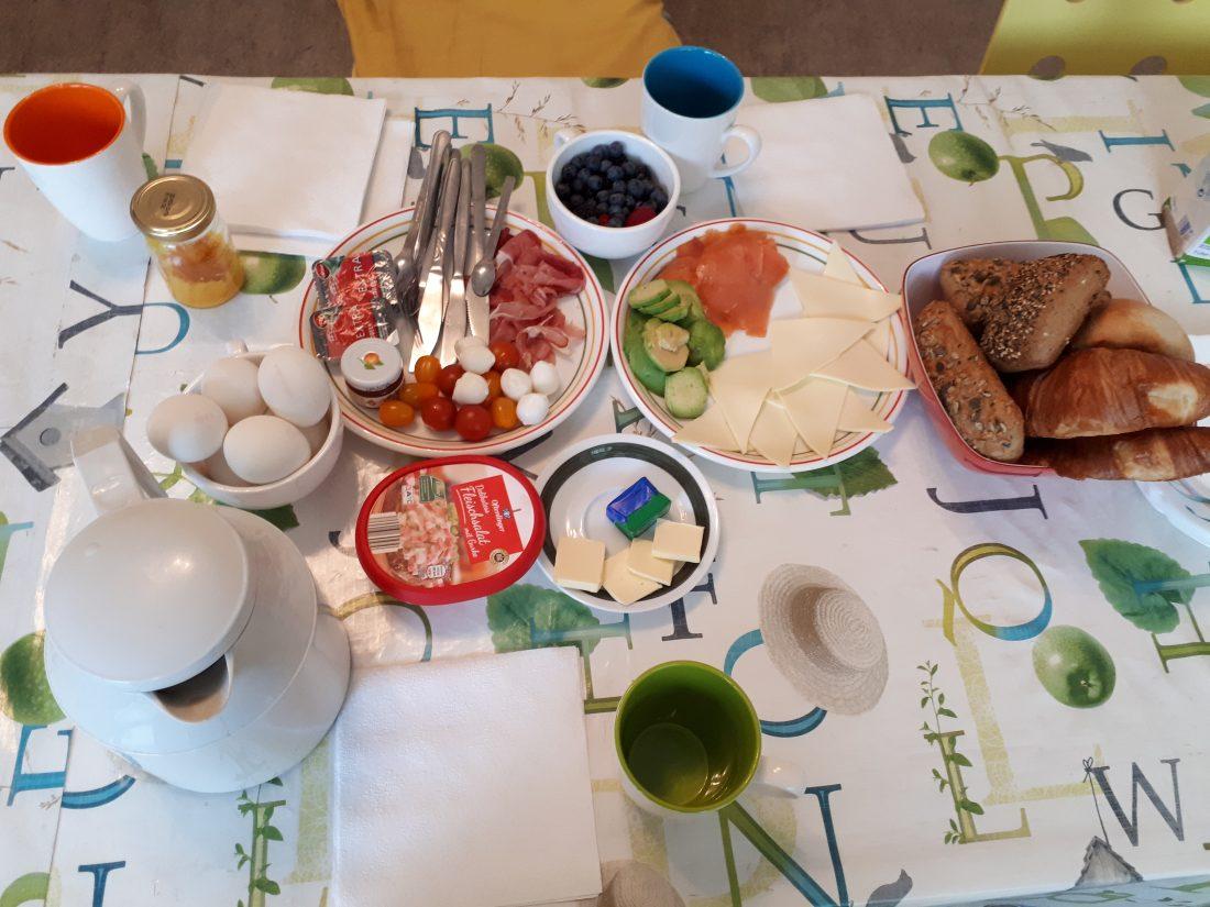 뉴스 - Frühstück Plus(Trauer)